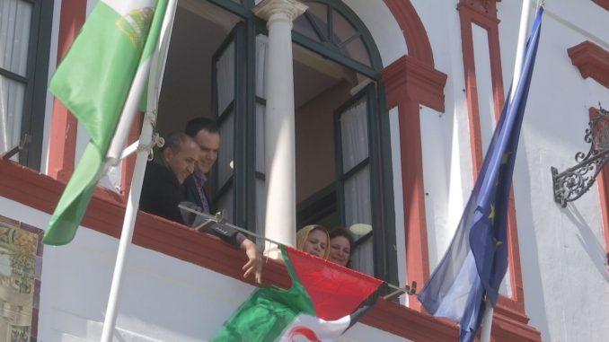 04 bandera